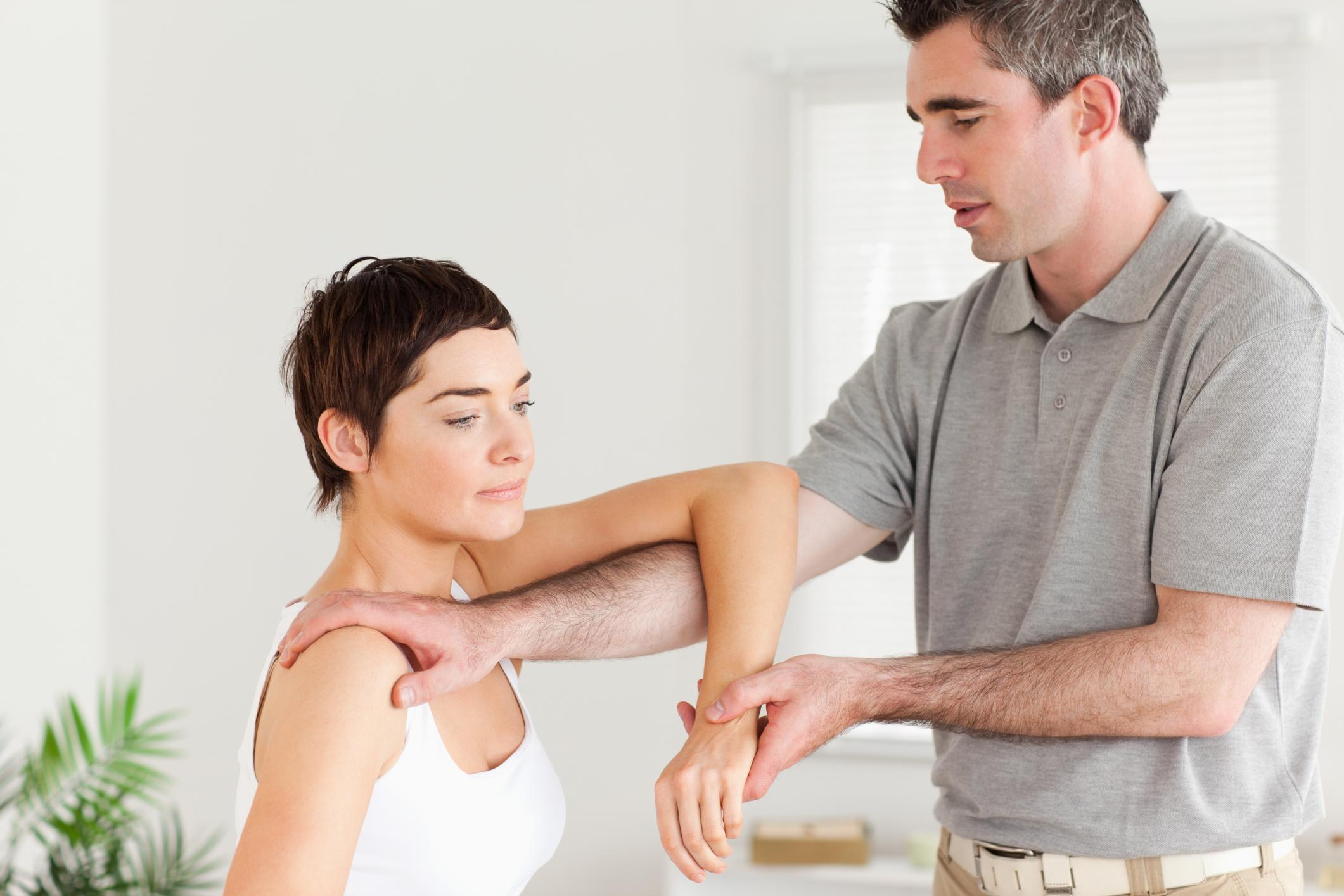 Spinal Adjustments and Chiropractic Services - Osteopathy 1